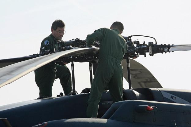 UH-60J 飛行後点検 IMG_7930_2
