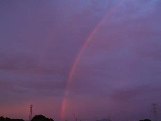 薄っすら二重の虹