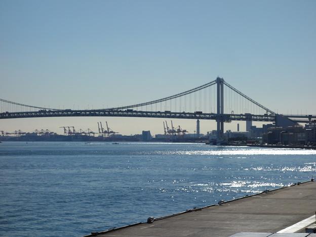 写真: 竹芝桟橋からのレインボーブリッジ (港区海岸)