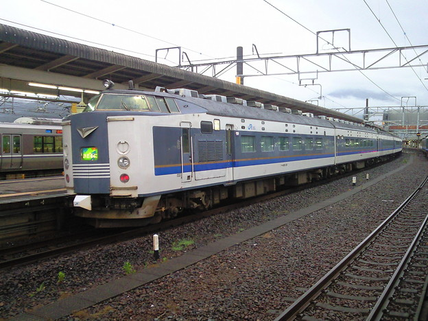 小浜線の始発が運休になってしまったので、敦賀で足止め。近江塩津方...