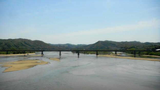 002斐伊川・国道9号線・神立橋上から上流を望む