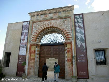 スース考古学博物館入口