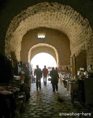 スキーフ・エル・カハラ門の通路の中