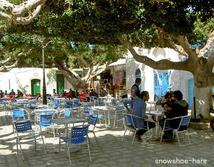 スークの中の広場カフェ