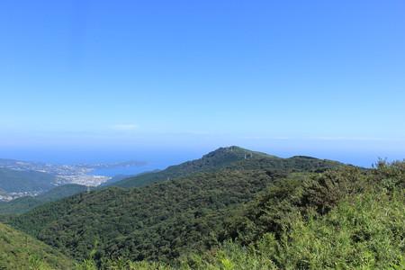 06目的地の岩戸山を望む