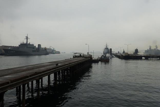 潜水艦基地 (2)s