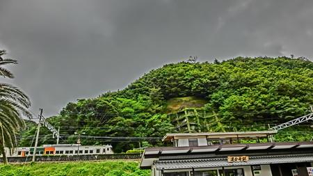 185系(蓮台寺駅)