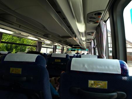 ツアーバスの中1