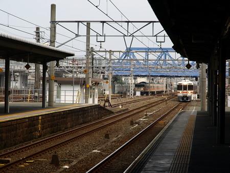 313系と117系(豊橋駅)