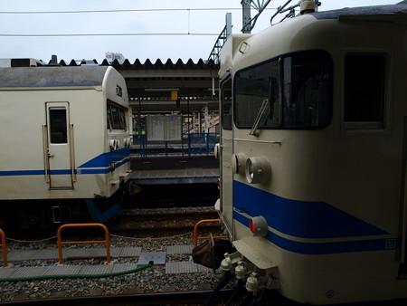 419系と413系(富山駅)1