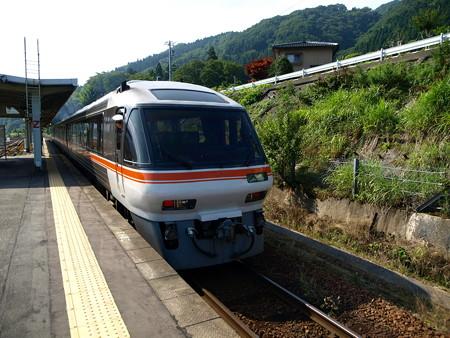 キハ85系(猪谷駅)3
