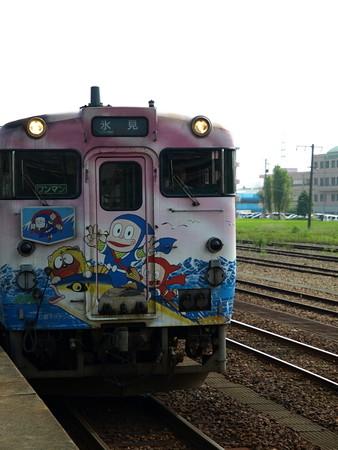 キハ40氷見線(能町駅)3
