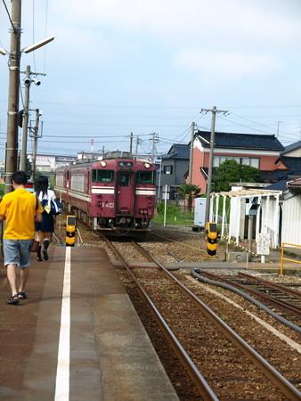 キハ40氷見線(能町駅)4