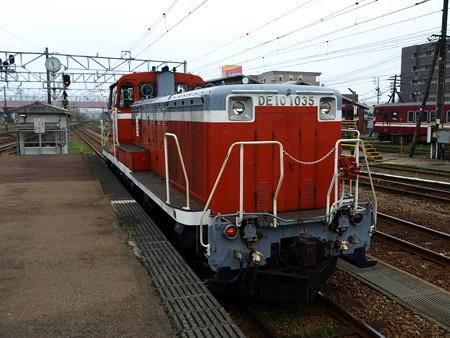 高岡駅56