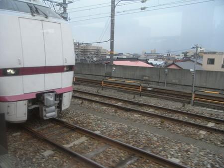 北陸本線の車窓(金沢→西金沢)1