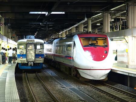 681系と475系(金沢駅)2