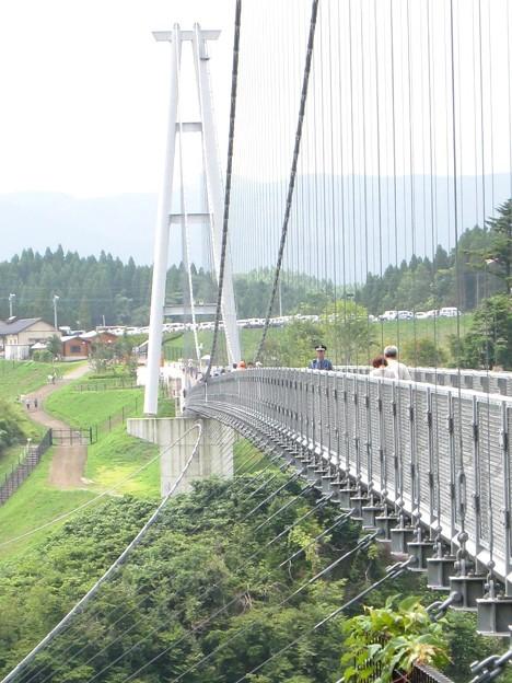 九重 夢大吊橋10 橋の途中に警備員のおじさん