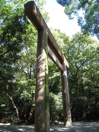 熱田神宮29 五角形の笠木を持つ第一鳥居