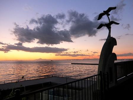 花見川河口から望む富士山 3