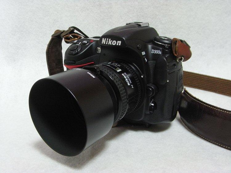 Nikon D300S + Nikon Ai AF Nikkor 35mm f/2 + Nikon HS-14