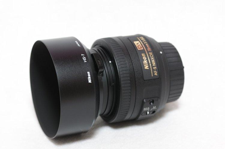 Nikon AF-S NIKKOR 35mm f/1.8G フード装着