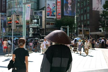 2012.08.25 銀座 炎天下の托鉢