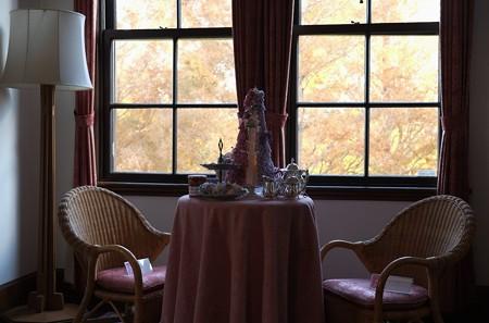 2012.12.05 山手西洋館世界のクリスマス2012 外交官の家 窓にメタセコイア フランス