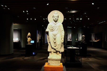 2014.01.08 東京国立博物館 如来立像 ガンダーラ 全体