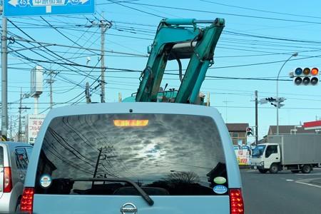 2014.01.16 市内 母の通院 前車のリアウィンドウに鱗状の空