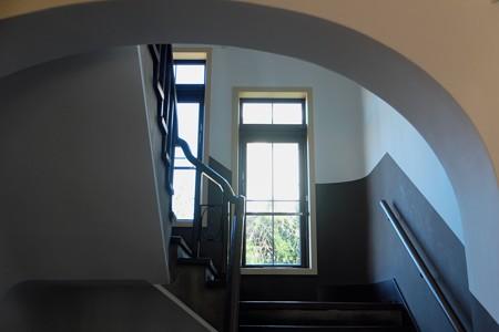 2014.01.29 山手 横浜地方気象台 階段の窓