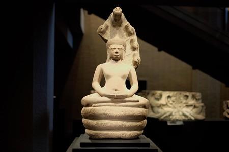 2014.02.07 東京国立博物館 ナーガ上の仏陀 正面 カンボジア・アンコールトム TC-378