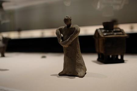 2014.02.07 東京国立博物館 土偶 体の前で両手を重ねる人物 朝鮮 TJ-5346-1