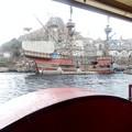 蒸気船に乗って出発