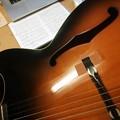 写真: 気まぐれにChaki でE-Blues を弾く。鳴らない。好いギターやけど、やっぱしもて余す( ・∀・)1
