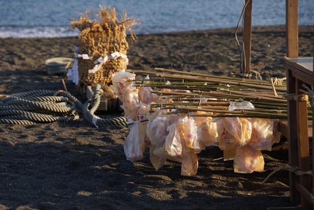 Photos: 海岸でも団子売ってます!140112