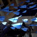 モールに紙飛行機アートが素敵です。