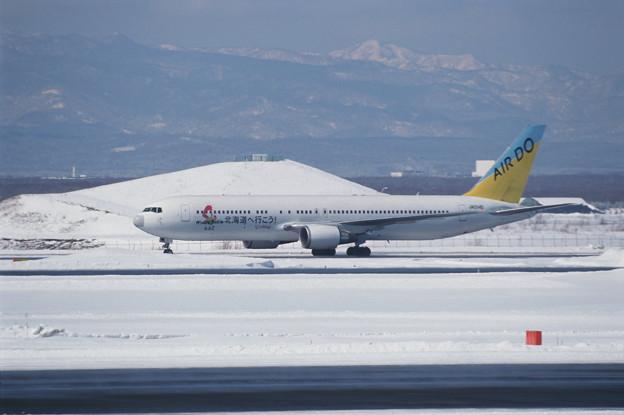 B767-300 JA01HD ADO 北海道へ行こう! 2001冬