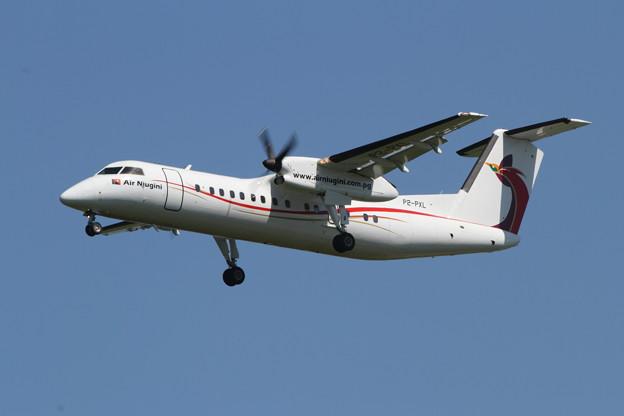 DHC-8-300 P2-PXL Air Niugini PX CTS 2013.06