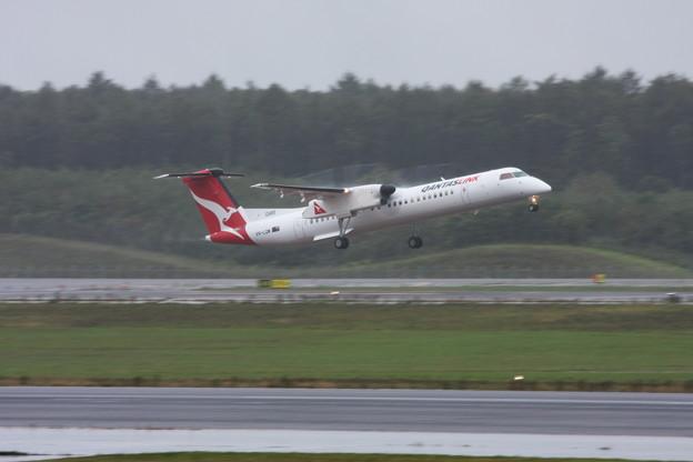 Q400 VH-LQM Qantas Link 2013.09