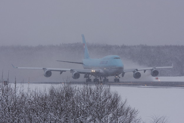 B747 HL7461 雪ヲマキアゲTakeOff