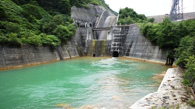奥清津ダム