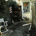 Photos: 路地裏の理髪店