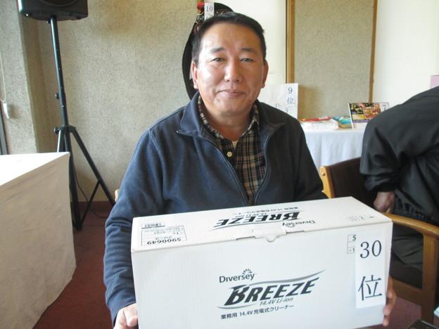 足利城ゴルフ倶楽部忘年コンペに参加した、松さんは35位飛び賞!!2013.12.12