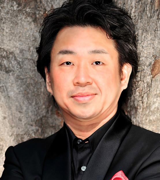 Tenor singer Makoto Kuraishi Tokyo Japan 倉石真 くらいしまこと 声楽家 オペラ歌手 テノール