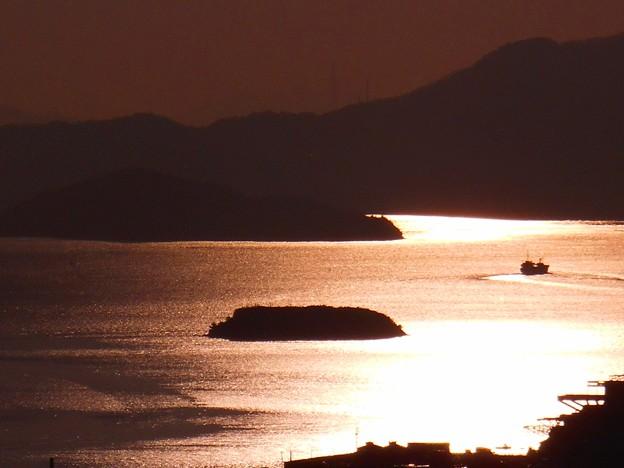 穏やかな冬の夕海