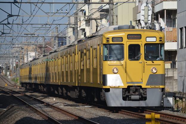 2001F 各停西武新宿行き