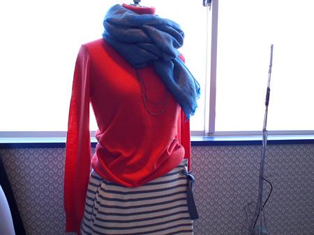 オレンジセーター上02