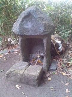 石祠 竈神(駒形神社)。