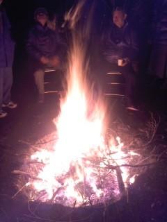 焚き火(熊野神社)。