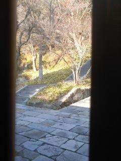 写真: 石段(扇ガ谷稲荷)。